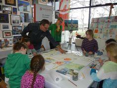 "Malevent bei ""Rostock kreativ"" in der Kunsthalle Rostock   Kinder malen mit Frank Koebsch bei Rostock kreativ (c) Annett Grabow (2) Coat, Fashion, Artworks, Thoughts, Watercolor, Creative, Kids, Moda, Sewing Coat"