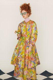 Tsumori Chisato Pre-Fall 2019 Fashion Show Collection: See the complete Tsumori Chisato Pre-Fall 2019 collection. Look 2 Japanese Fashion, French Fashion, Powder Blue Dress, Vogue Russia, Fashion Show Collection, Fashion Addict, Autumn Fashion, Spring Fashion, Fashion Design