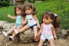 Ce modèle de robe avec un plastron carré convient pour la poupée Cerise de la marque Cerise et Capucine que vous trouverez en exclusivité chez JouéClub mais vous pouvez l'utiliser pour une poupée de taille différente en adaptant les dimensions aux mensurations... Laine Rico, Voici, Dimensions, Baby, Couture, Apron Dress, Baby Humor, Haute Couture, Infant