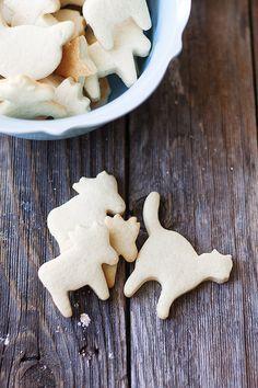 Homemade Animal Crackers | heathersfrenchpress.com #crackers #snacks