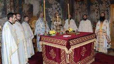 Његово Преосвештенство Епископ рашко-призренски г. Теодосије служио је 12. новембра 2016. године свету Литургију у манастиру Грачаници по...