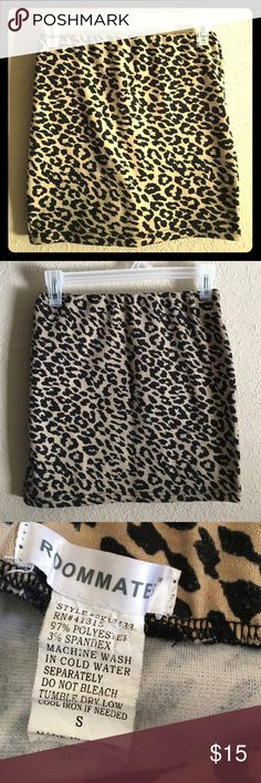 """🆕Cheetah Print Mini Skirt Fitted cheetah print mini skirt 🔹 Elastic waistband 🔹 In excellent condition 🔹 See picture for materials/care 🔹 Brand """"Roommates"""" 🔹Size small but could fit medium 🔹 Offers accepted! Roommates Skirts Mini"""