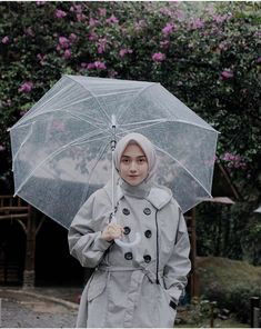 @nisacookie Muslim Fashion, Hijab Fashion, Fashion Dresses, Casual Hijab Outfit, Ootd Hijab, Girly Pictures, Pretty Girls, Cool Style, Dress Up