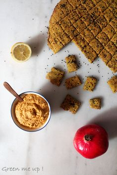 Crackers sans gluten au curcuma, tartinade carotte-gingembre | Green me up ! - Cuisine bio végétale, écologie du quotidien