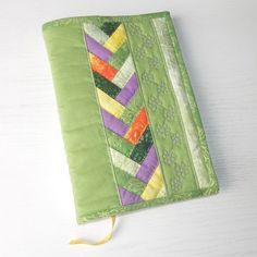 Sewing Projects, Projects To Try, Fabric Book Covers, Journal Covers, Fabric Covered, Friendship Bracelets, Purses And Bags, Coin Purse, Photo Books