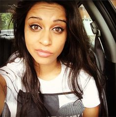 Lilly Singh - the amazing woman that inspired this board Lily Singh, Teen Choice Awards, Instagram Influencer, Images Google, Female Singers, Me As A Girlfriend, Role Models, Youtubers, Beautiful People