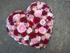Rose heart | all manner of flowers | plant | living | Olten Sympathy Flowers, Garden Of Eden, Funeral Flowers, Diy Flowers, Valentines, Wreaths, Art Floral, Plants, Wedding