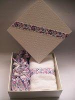 Ateliê Arte e Cheiro: Cx em MDF em 3 tamanhos com toalha para lavabo, 1 / 2 ou 3 sabonetes