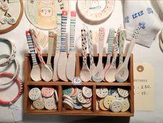 cucharas y botones