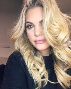 🦁🦁🦁🦁🦁🦁🦁🦁🦁🦁🦁 @karleemakeup #model #onset #bts #hair #makeup #beauty #blondehair #curvygirl #fashion #curvystyle #love #beautybeyondsize #sizesexy #thisbody #plus #plussize #plussizemodel #chantalesgirl #krisyeo