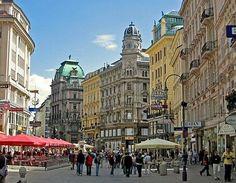 AUSTRIA ||||||||| Viena. El punto central de la ciudad de Viena es el Graben, una amplia plaza repleta de tiendas y terrazas de cafeterías con grandes sombrillas!