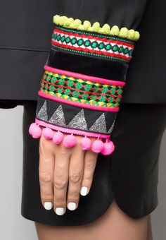 Quality Hmong Clothes, Bags, Jewelry, Hats and Care Diy Clothes And Shoes, Diy Vetement, Diy Fashion, Womens Fashion, Blazers, Sleeve Designs, Textiles, Refashion, Pattern Fashion