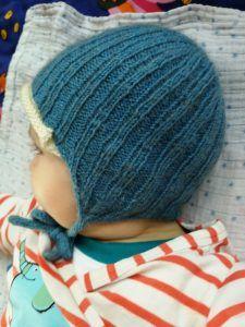 Hairstyles for short hair Ohrenklappen-Mütze – Strick – Ideen Chapéu Earflap - Tricô - Idéias Baby Dress Patterns, Baby Knitting Patterns, Crochet Patterns, Knitting Ideas, Knitted Hats Kids, Knitted Bags, Crochet Baby, Knit Crochet, Colored Rope