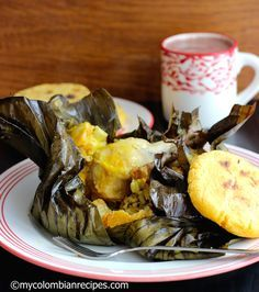 Tamal is an important dish in Colombian cuisine and you'll find them on almost all traditional Colombian restaurant menus. Colombian Dishes, My Colombian Recipes, Colombian Cuisine, Fun Easy Recipes, Raw Food Recipes, Mexican Food Recipes, Cooking Recipes, Mexican Desserts, Freezer Recipes