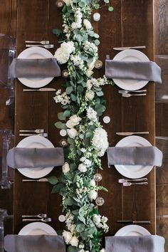 Katie and Jeff had an absolutely magical wedding at The Cordelle in Nashville's Rutledge Hill. The couple wanted classic white and green florals, but really upped the modern elegance with the… modern wedding Lush & Modern Modern Wedding Flowers, Bridal Flowers, Floral Wedding, Wedding Bouquets, Garland Wedding, Wedding Table Settings, Wedding Long Table Flowers, Wedding Table Runners, Table Centre Pieces Wedding