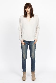 6397 | Resort 2015 | 06 White long sleeve sweater and blue jeans