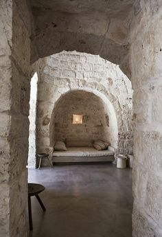 casa trulli antico, ostuni Pinned to Architecture - Interior Design by Darin Bradbury. Architecture Details, Interior Architecture, Exterior Design, Interior And Exterior, Stone Interior, Tadelakt, Brick And Stone, Stone Walls, White Stone