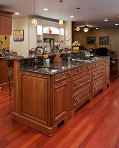 islands with stoves | The former island was small and did not have enough space for the ...