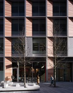 Bankside 123 London by Allies & Morrison Architects Building Exterior, Building Facade, Facade Architecture, Contemporary Architecture, Facade Design, Exterior Design, Wood Facade, Facade House, Facades