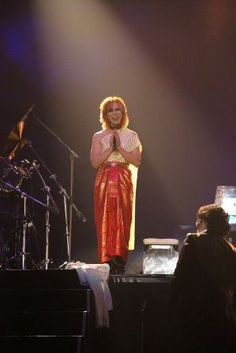 Yoshiki in Thai dress Love U Forever, Thai Dress, Gackt, I Luv U, Visual Kei, Hyde, Bangkok, Marilyn Manson, World