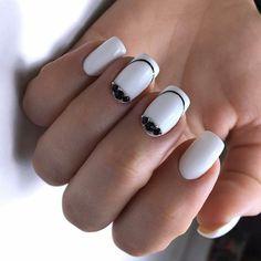 Nail Art magnetic designs for fascinating ladies. White Manicure, White Nail Polish, White Nails, Fall Nails, Summer Nails, Nail Trends 2018, October Nails, Long Square Nails, Gel Nail Colors