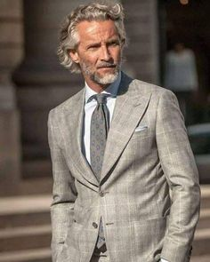37 Ideas For Moda Hombre Hipster Outfits Hair Mens Modern Hairstyles, Older Mens Hairstyles, Gentleman Mode, Gentleman Style, Grey Hair Men, Men Over 40, Style Masculin, Hipster Outfits, Well Dressed Men