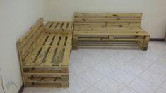 """Conjunto composto de dois sofás em """"L"""" e uma mesinha de canto  Um sofá mede 1,60m x 0,60m x 0,40m. O encosto tem 30cm e 70cm de altura do chão.  O outro sofá mede 1,20m x 0,60m x 0,40m.  A mesinha de canto mede 0,60m x 0,60m e 0,50m de altura.  Faço móveis sob medida utilizando madeira (pinus), c..."""