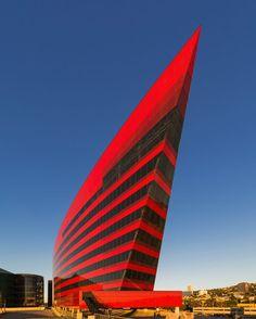 architecturia:  ♂ Unique modern arch lovely art