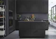 Form Us With Love, in collaboration with IKEA, has created Kungsbacka, the first kitchen fronts line entirely made from recycled plastic bottles and reclaimed industrial wood. Ikea New Kitchen, Black Ikea Kitchen, New Kitchen Doors, Ikea Kitchen Design, Black Kitchen Cabinets, Black Kitchens, Kitchen Colors, Kitchen Island, Kitchen Ideas