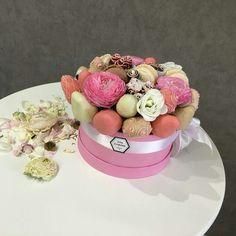 Подарок к любому торжеству! Шикарные букеты из фруктов, ягод и бельгийского шоколада самого высокого качества! Фруктово-шокодадные подарочные коробочки. Настоящий рай для гурманов! Свадьба, день рождения , свидание, встреча в аэропорту, для любого события🤗🤗🤗 Иркутск. Viber watsapp: 89501088541 . 👐@ma_cherie_irkutsk к Вашим услугам #ma_cherie_irkutsk #иркутск #сибирь#сладкийподарокиркутск#кондитерская#сладкийподарок#люблюшоколад#бельгийскийшоколад#бельгийскийшоколадручнойработы
