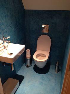 Beal mortex toilet, riemsdijkblauw - Door Patrick van Riemsdijk