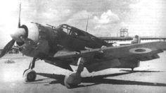 Bloch MB-152 :: Le MB-152 est le plus construit des chasseurs Bloch. Le prototype vola pour la première fois en 1938. Son moteur plus puissant lui assurait des performances supérieures à celle du MB-151 et du MS. 406 et son armement était composé de deux canons de 20 mm et de deux mitrailleuses 7.5 mm (ou de quatre mitrailleuses de 7.5 mm).