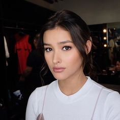 Liza Soberano - is a Filipina-American actress and model. Liza Soberano, Beautiful Eyes, Most Beautiful Women, Braided Hairstyles, Cool Hairstyles, Beauty Must Haves, Asian Hair, Hair Care Tips, Asian Beauty