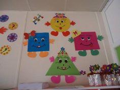 The best crafts Preschool Classroom Decor, Daycare Crafts, Preschool Learning Activities, Preschool Activities, Class Decoration, School Decorations, Kindergarden Art, First Day Of School Pictures, Shape Crafts