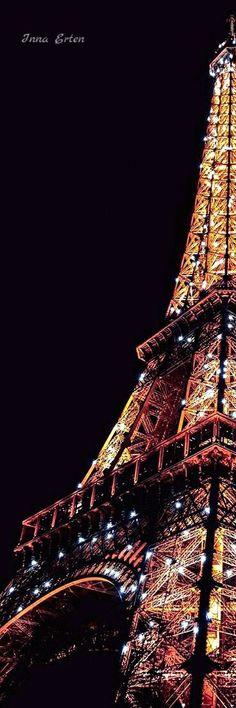 Savoir briller de mille feux...  #Paris #EiffelTower