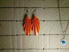 origami leaf earrings how-to = make from book pages