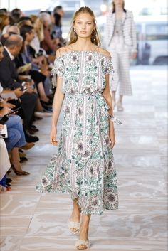 Sfilata Tory Burch New York - Collezioni Primavera Estate 2017 - Vogue