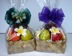 43 Ideas Fruit Basket Gift Ideas Wedding For 2019 43 Ideas Fruit Basket Gift Ideas Wedding For Fruit Hampers, Gift Hampers, Gift Baskets, Fruit Cups, Fruit Fruit, Fruit Logo, Diy Cadeau, Fruit Packaging, Fruit Gifts