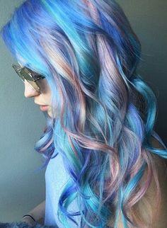 blue pastel streak dyed hair @danabomar