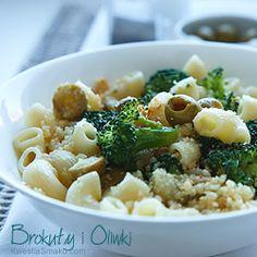 Makaron z brokułami i zielonymi oliwkami