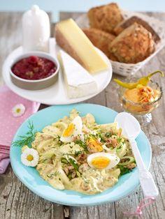 Am Ostermorgen lassen wir uns süße und herzhafte Rezepte schmecken und laden zu einem festlichen Osterbrunch, einem glückerfüllten Osterfrühstück.