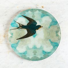 swallow in flight (flying right) round plate