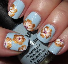 Delicate one-stroke flowers in gold and white
