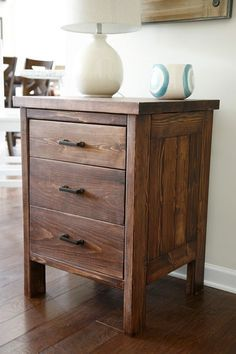 Ana White Build a Chest of Drawers from 2 by Free and Easy DIY Project and Furniture Plans Easy Woodworking Projects, Woodworking Furniture, Diy Wood Projects, Pallet Furniture, Furniture Projects, Furniture Plans, Rustic Furniture, Home Projects, Woodworking Plans