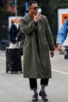 Men Street, Street Wear, Grey Suit Men, Black Suits, Gangster Style, Style Streetwear, Style Hipster, Best Street Style, Formal Shirts For Men