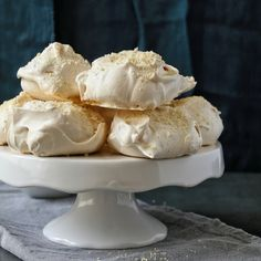 Vanilla bean and almond meringues with mixed berry sauce – Cupcakes and Couscous Cake Recipes, Dessert Recipes, Desserts, Berry Sauce, Homemade Sweets, Nigerian Food, Chocolate Truffles, Food 52, Almond