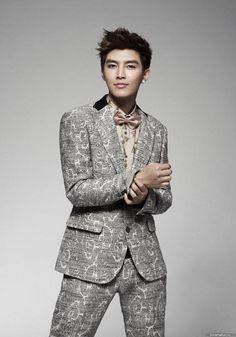 Aaron Yan- Very Fashionista