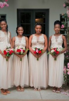 The order of the day was red & gold, elegant & simple. What a pleasure . Sims, Order Of The Day, Wish You The Best, Bridesmaid Dresses, Wedding Dresses, Red Gold, Nostalgia, Elegant, Couples