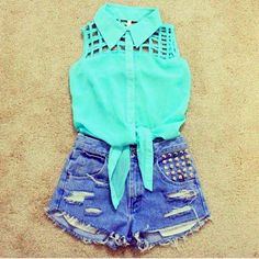 Ugh, ive been wanting this shirt forever and those shorts are hawwt. love this outfit
