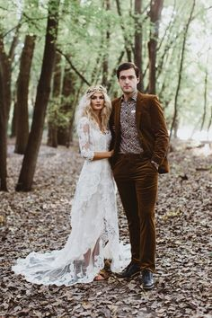 This Enchanting Forest Elopement is Brimming with Edgy Wedding Fashion Ideas - Frisur hochzeit - Wedding Suits, Trendy Wedding, Boho Wedding, Wedding Styles, Dream Wedding, Wedding Ceremony, Wedding Bride, Perfect Wedding, Fall Wedding